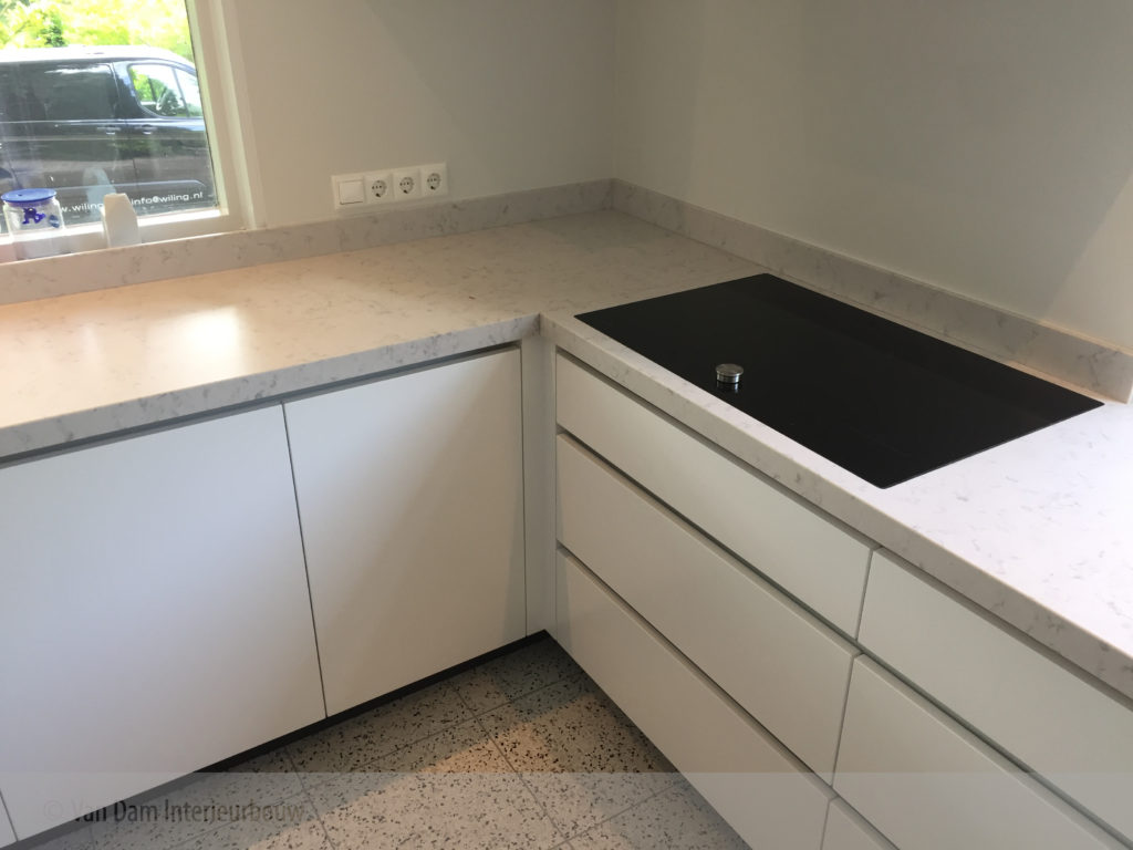 Moderne L Keuken : Moderne keuken van dam interieurbouw verrassend maatwerk